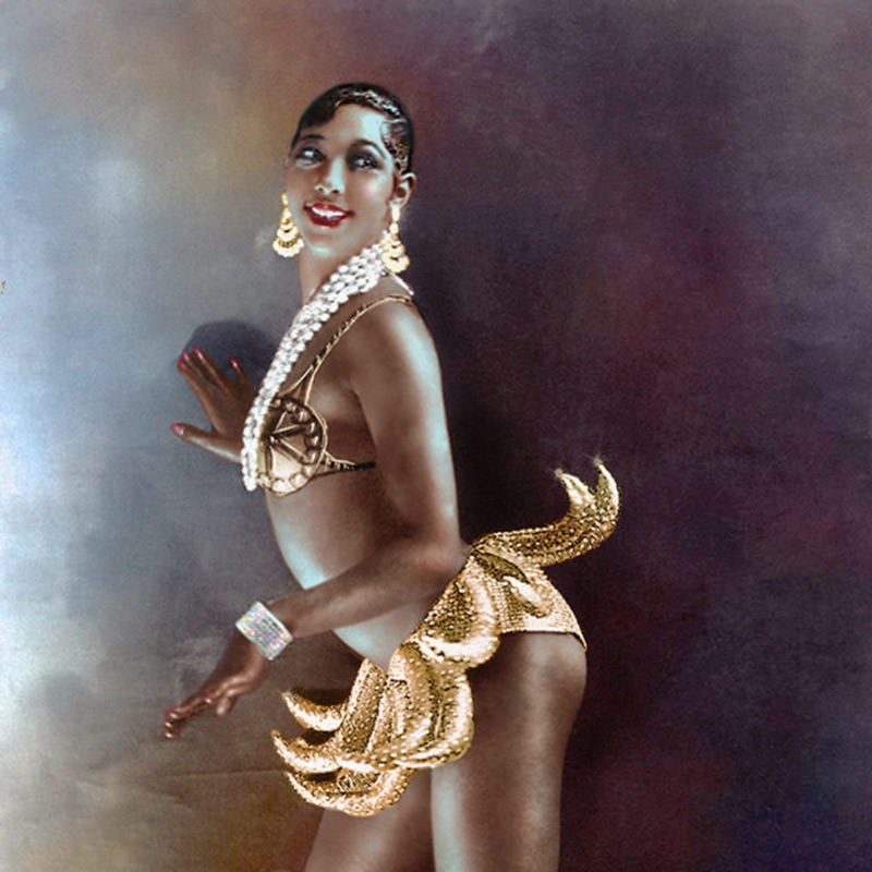 Josephine Baker in banana costume